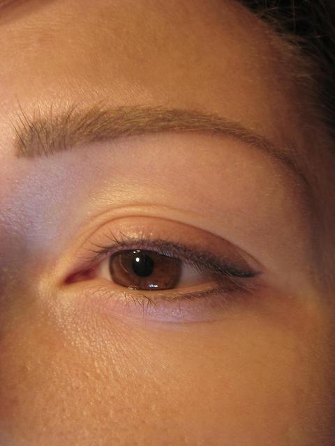 Татуаж глаз для беременных 12